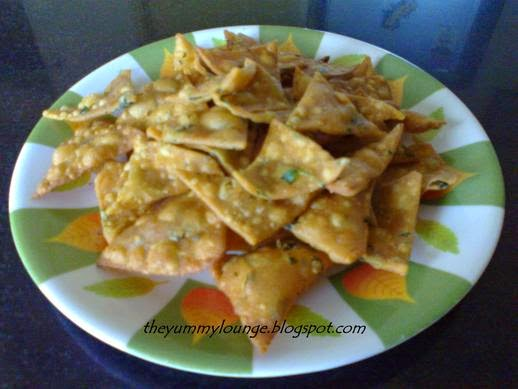 Whole Wheat Fenugreek Leaves Nachos Chips Recipe