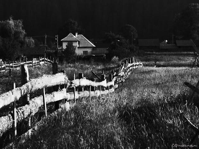 """Unul  gard în alb şi negru pune în evidenţã """"spaţiul mioritic"""" - blog FOTO-IDEEA"""
