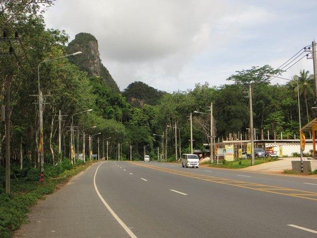 Четкая разметка на дороге Таиланд