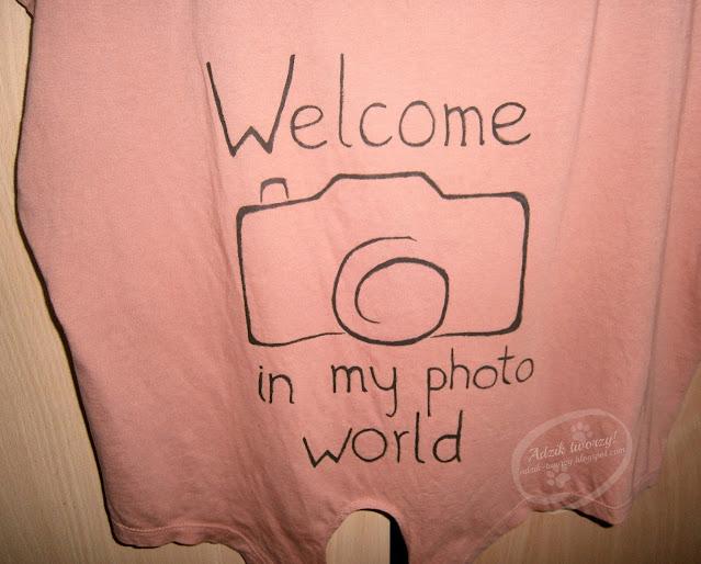 bluzka z aparatem fotograficznym ręcznie malowana - Adzik tworzy