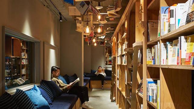 Ya inauguró el hotel de Japón donde puedes dormir en una biblioteca