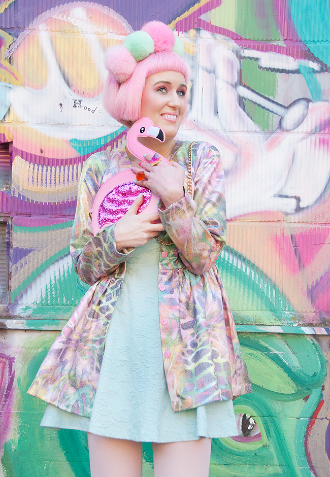 flamingo look, pastel outfit, pink haired blogger