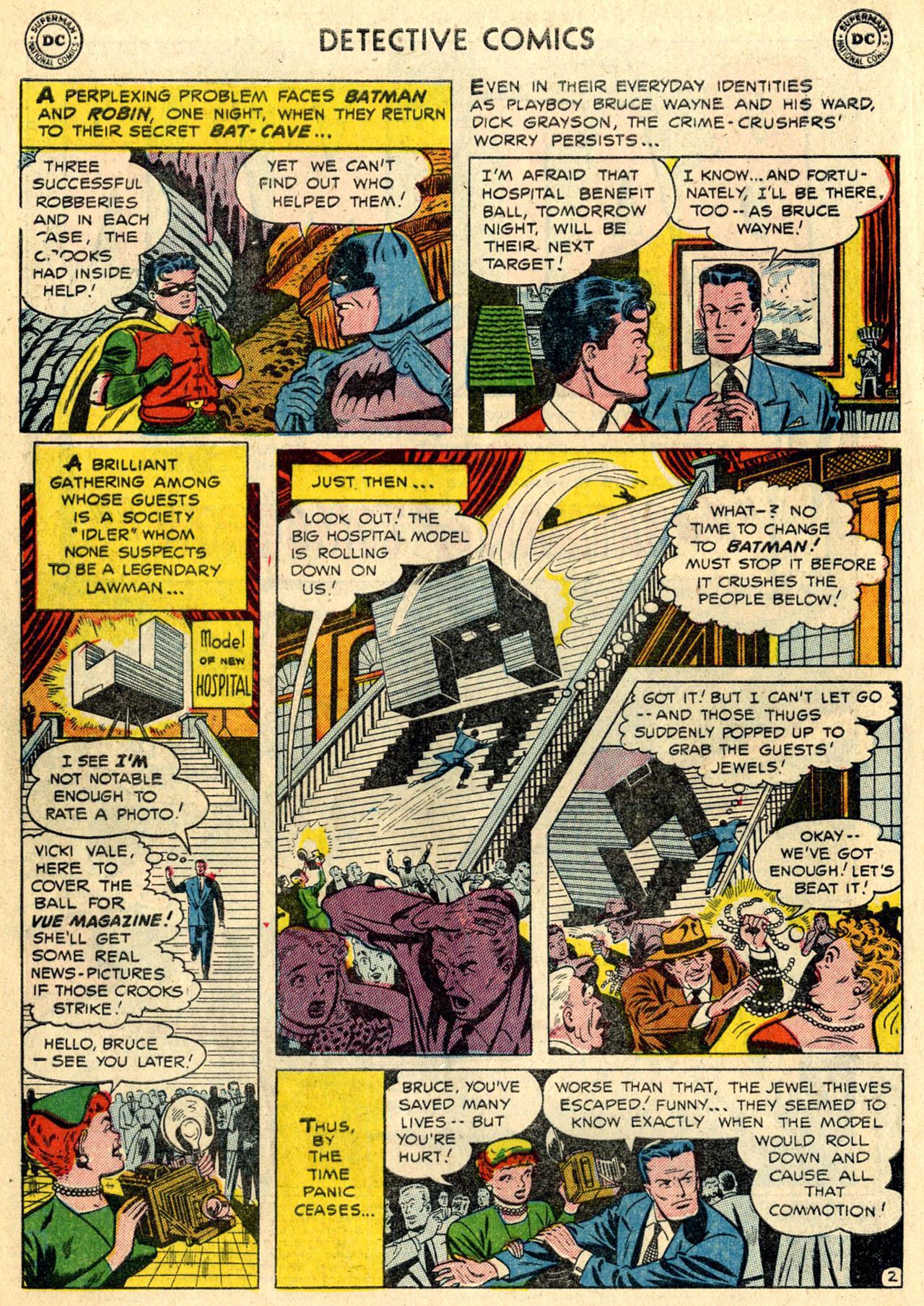 Read online Detective Comics (1937) comic -  Issue #216 - 4