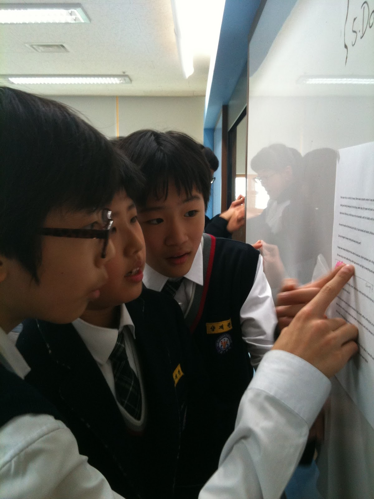 Running Dictation Game In Learning English English Edutainment