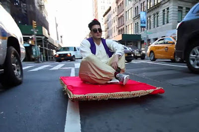 Heboh! Aladdin Terbang dengan Karpet di Dunia Nyata!