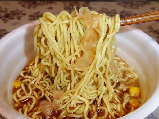 【マルちゃん(東洋水産)】ごつ盛り ワンタン醤油ラーメン 麺90g(当社比)大盛