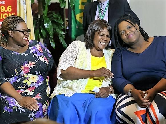 Mãe de sete filhos ganha mais de R$ 1.5 Bilhões em loteria nos EUA