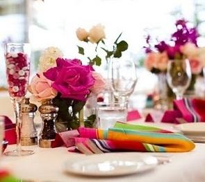 mesa de almoço colorida