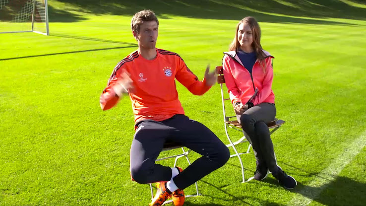 the latest 09103 974a6 ... uk thomas müller shows off new adidas x 15 primeknit boots 28fba b95fb