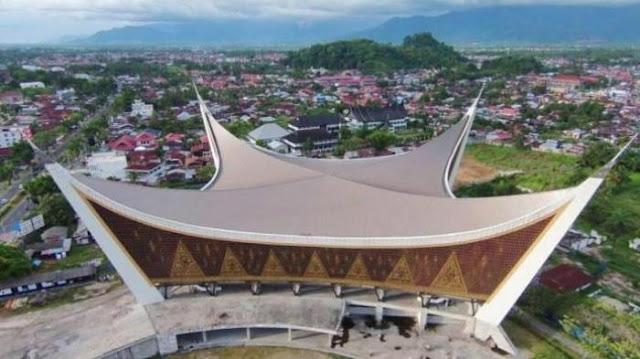 Dirancang Tahan Gempa Hingga 10 Skala Richter, Ini Keistimewaan Masjid Megah Yang Ada Di Kota Padang