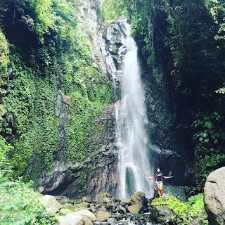 Tempat Wisata Air Terjun Yeh Mampeh Les Buleleng Bali
