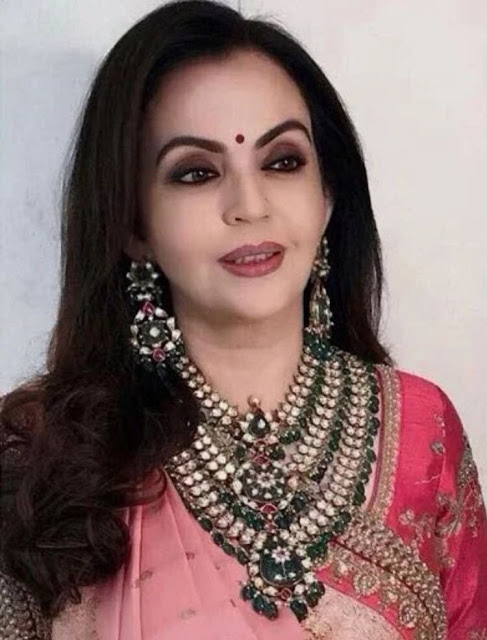 Nita Ambani Three Step Polki Set