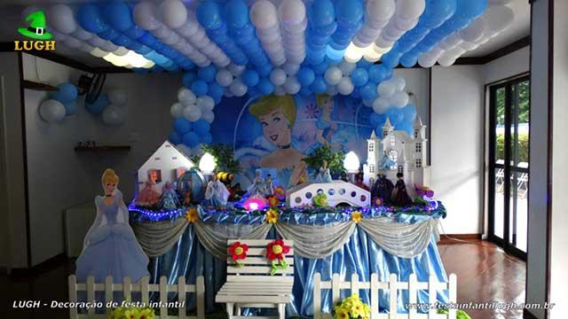 Decoração de festa infantil Cinderela tradicional