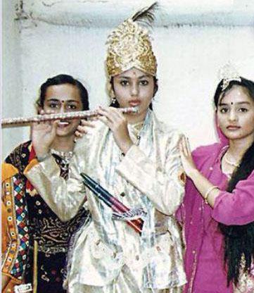 actress-namitha-childhood-photos
