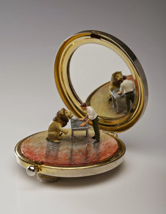 01-Kendal-Murray-Surreal-Miniature-Worlds-in-Everyday-Objects-www-designstack-co