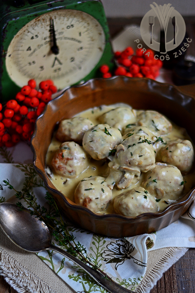 Klopsy z indyka w sosie pieczarkowym