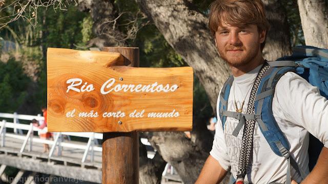 Rio Correntoso, villa la Angostura, neuquen, cartel, mas corto del mundo