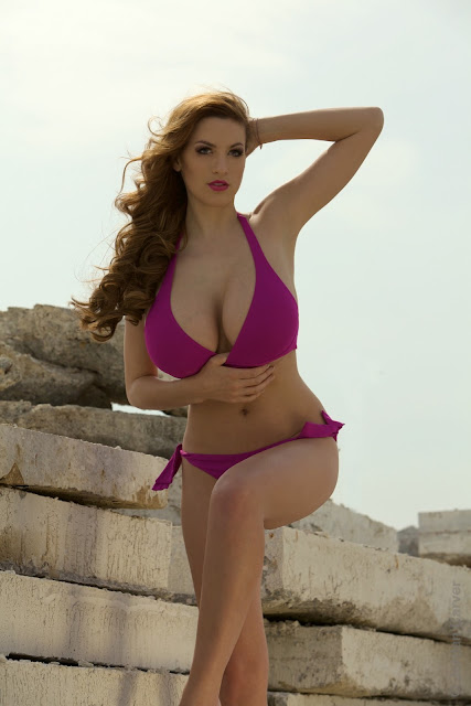 Jordan-Carver-Model-Broken-Wall-HD-Photoshoot-Image