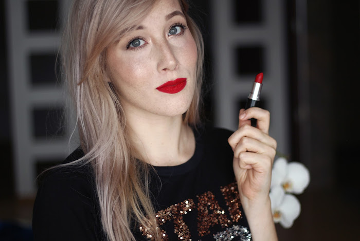 mac ruby woo lipstick review on lips