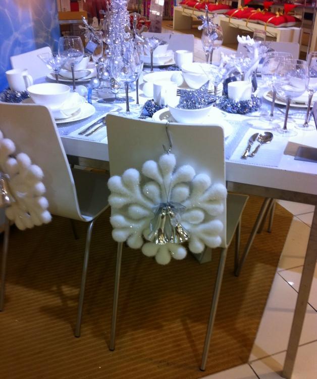 Stylish Settings: Myer Christmas Table Settings