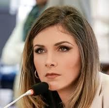 Ana Galarza destituida