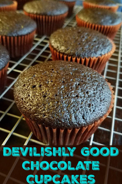 These cupcakes are super simple to make, if you have a whisk and a mixing bowl you can do it! They are also soft, chocolaty and devilishly good.