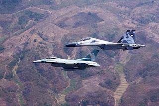 F-16 dan Sukhoi SU-30 TNI AU