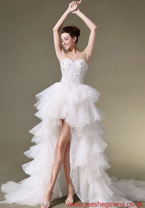 Trend-Alarm:High-low-Brautkleider mit Rüschen