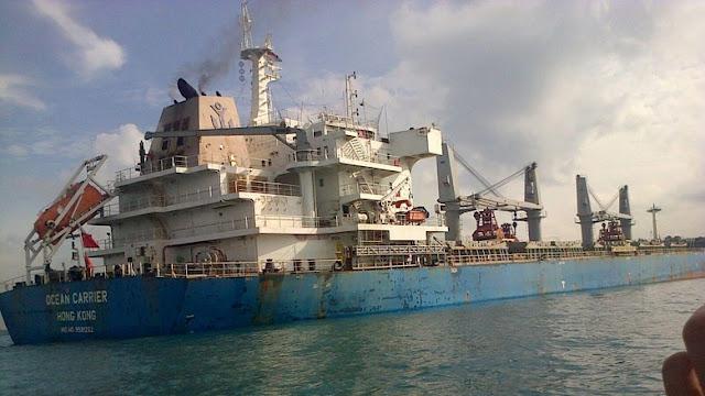 Kapal Kargo Didauga Bermuatan Uranium Kandas di Batam