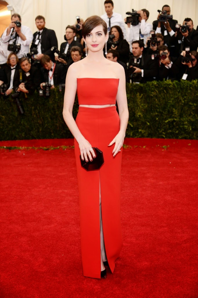 Anne Hathaway in Calvin Klein Collection