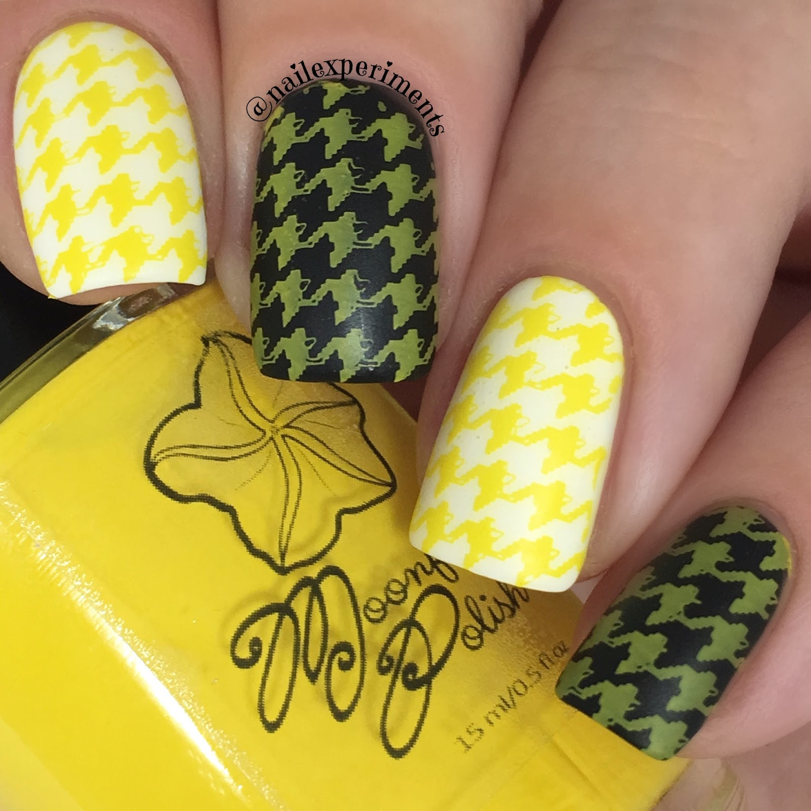 Moon flower polish amarillo swatch