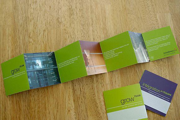 desain brosur unik dan kreatif dengan banyak lipatan