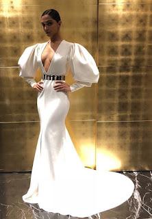 Deepika Padukone in White at Helo Hall Of Fame Awards