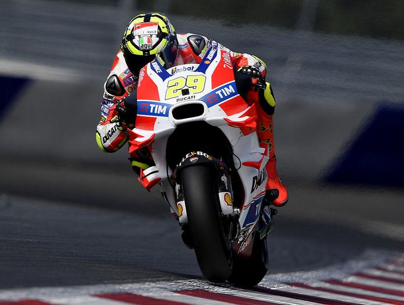 MotoGP 2016 : Kejadian . . dua rider dari tim pabrikan Ducati rajai sirkuit Red Bull Ring Austria !