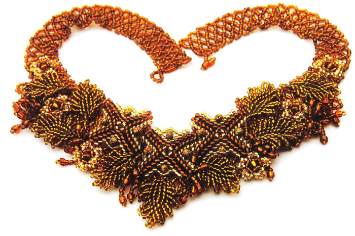 Колье из бисера.  Beaded Necklace