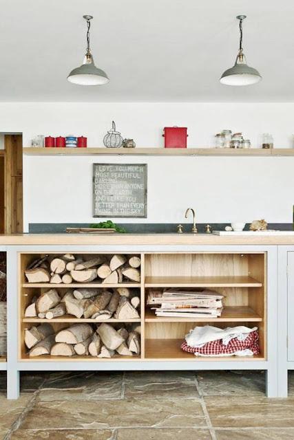 nên chọn cửa tủ cho tủ bếp không?