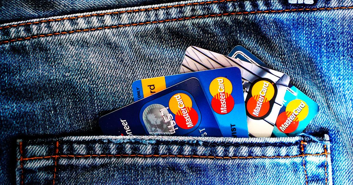Cartão de crédito consignado aprova quem tem nome sujo no mercado