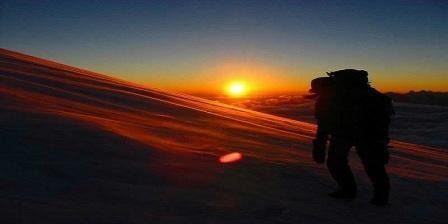 5 Kebiasaan Buruk Pendaki Gunung Jangan Sampai Kamu Ikuti