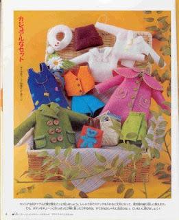 67043 546449 - Roupinha de Feltro para bonecas