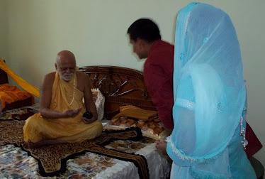 Hindu swami ji got caught fucking a hindu goddess - 4 6