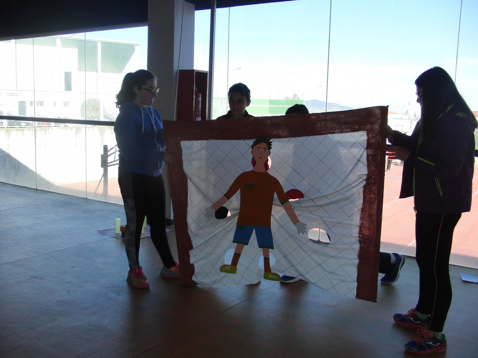Educacion Fisica Juegos De Punteria Con Material Reciclado