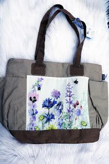 Hallmark Canada Marjolein Bastin Garden Bag for Mother's Day #myhallmark