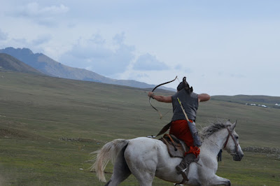 kyrgzystan small group tours, kyrgyzstan art craft, kyrgyzstan nomad traditions