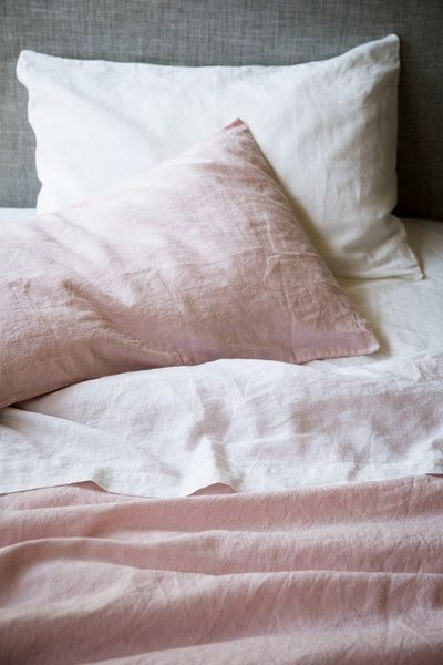 Faded rose linen sheets and cozy slow living vibe - found on Hello Lovely Studio