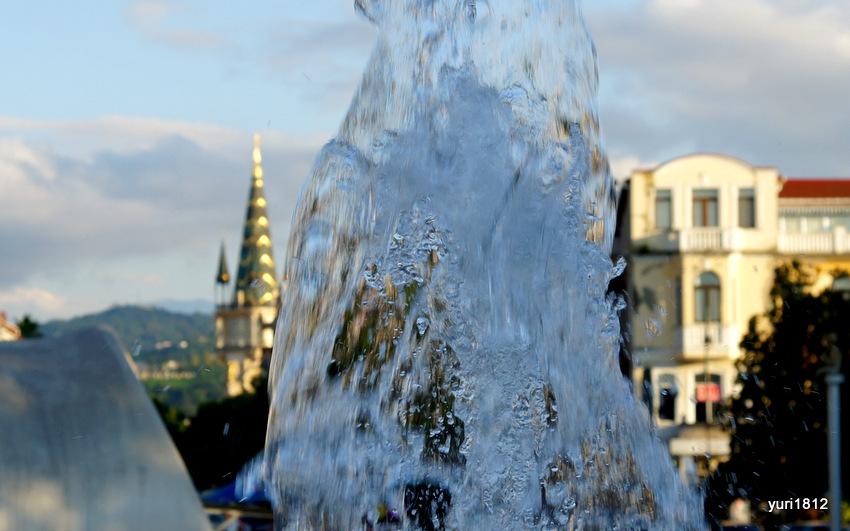 Поюще-танцующий фонтан