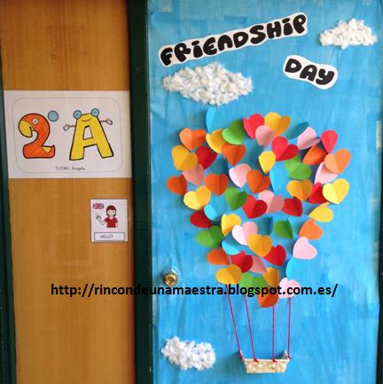 Rinc n de una maestra d a de la amistad for Puertas decoradas del 14 de febrero