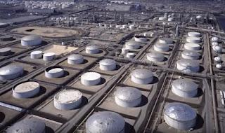 Pengoperasian tangki penampungan minyak bumi