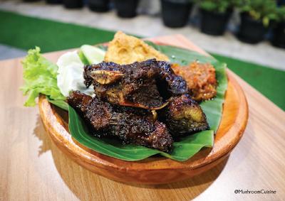 D'PENYETZ dan D'CENDOL Bandung, Nikmat di Lidah Pas di Kantong