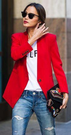 Uma peça de cor forte (pop of color) - blazer vermelho