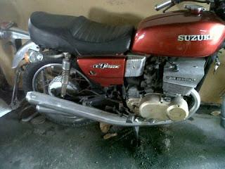 Bursa Motor Retro : Dijual Suzuki GT380 Twin 2tak 2Cylinder 3Exhaust - MAGETAN